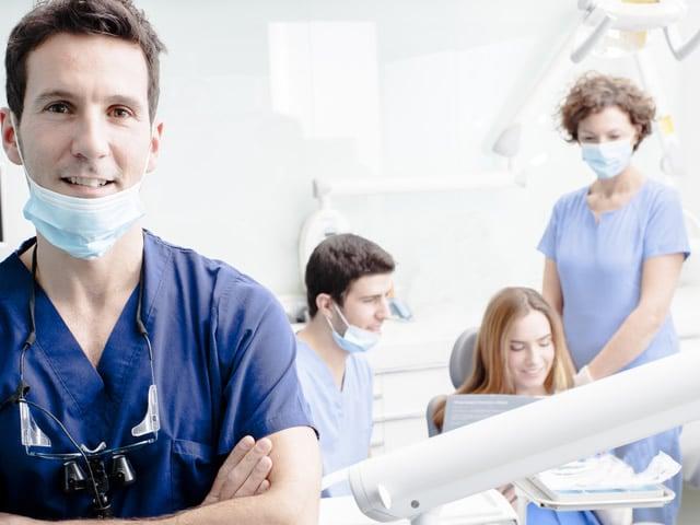 Come diventare dentista: il percorso di studio e di formazione