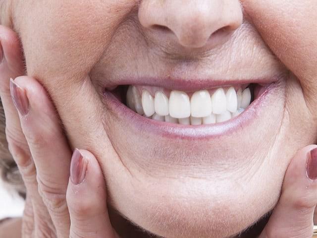 Dentiera e protesi, la guida completa